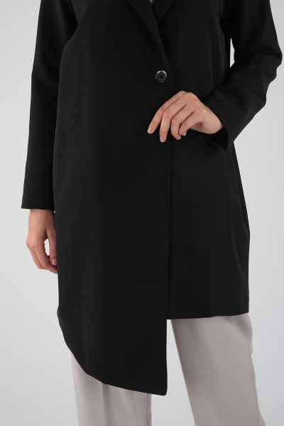 Düğmeli Bağcıklı Asimetrik Uzun Ceket