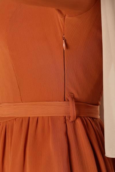 Astarlı Beli Büzgülü Elbise