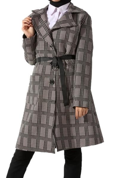 713cbb5e67e18 Pantolon, tesettür elbise ve etek gibi ürünlerle kısa yoldan kombin  oluşturan ceket modelleri arasından genellikle en çok ...