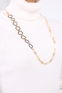White Stone Detail Necklace