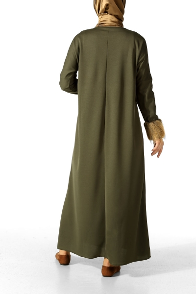 Bileği Kürklü Elbise