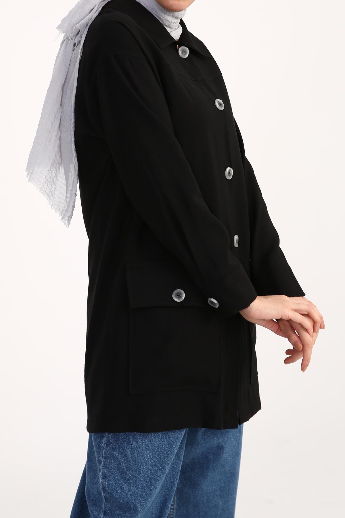 Pocket Detail Buttoned Jacket