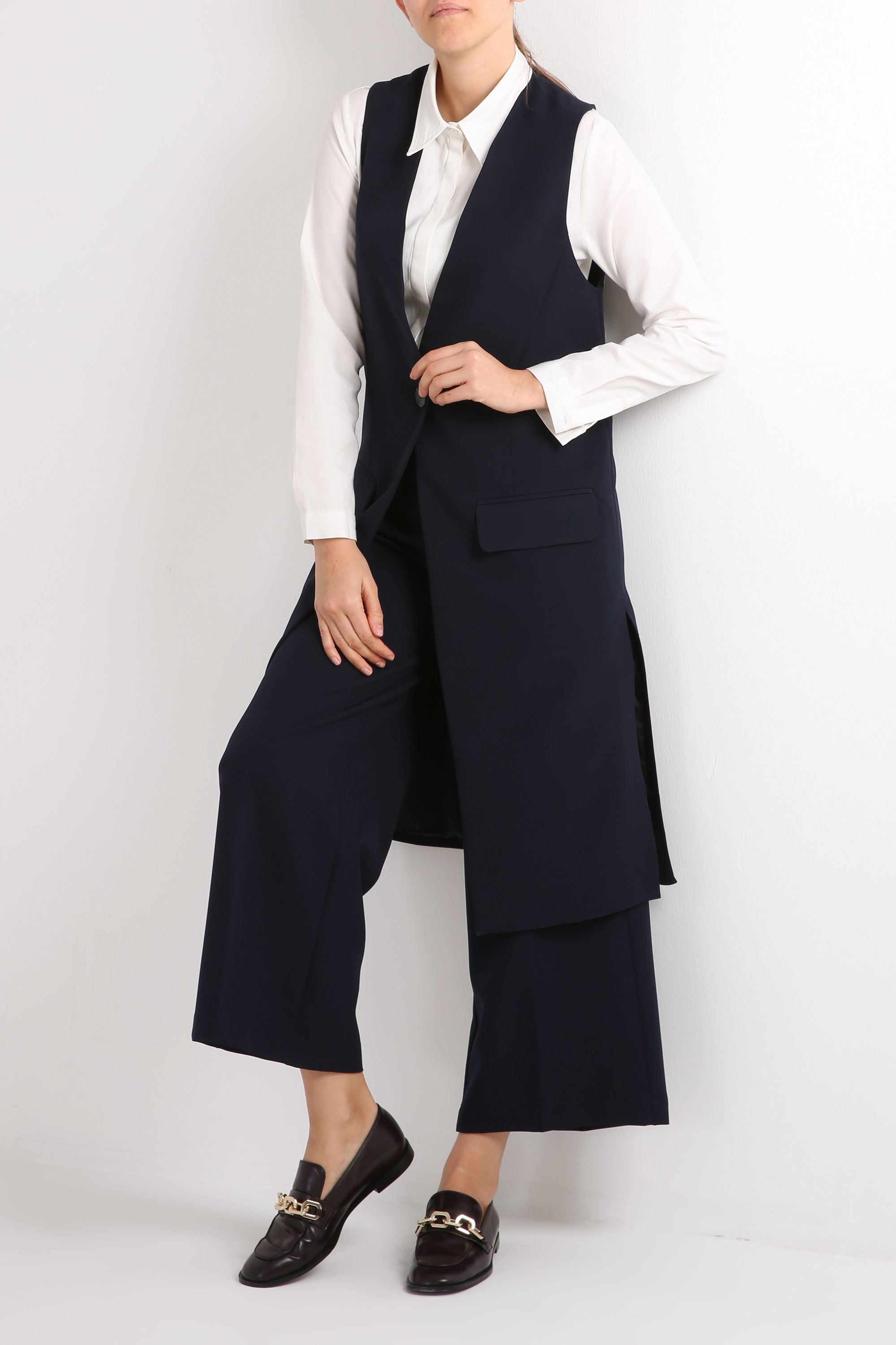 Long Lined Vest With Pockets