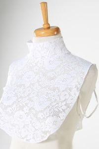 LACE DETAIL NECKCOVER