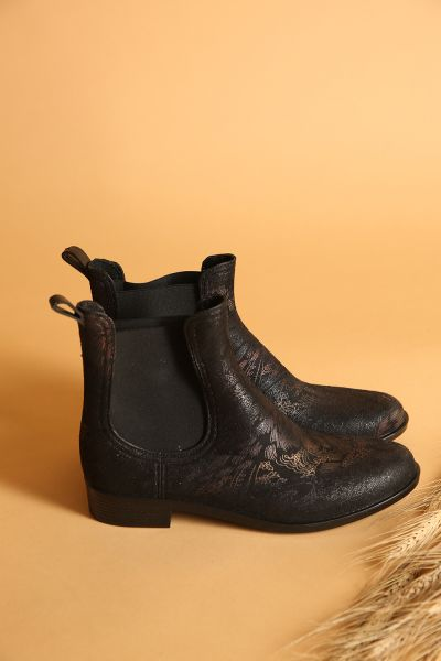 PATTERNED BOOTS