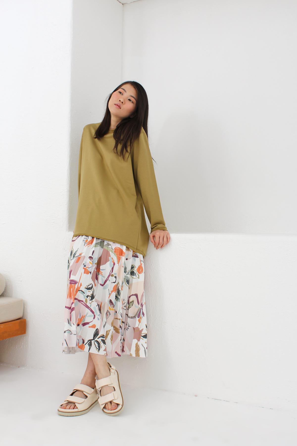 Patterned Pleated Midi Skirt