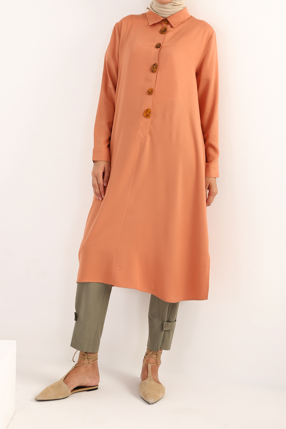 Natural Fabric Button Detailed Tunic
