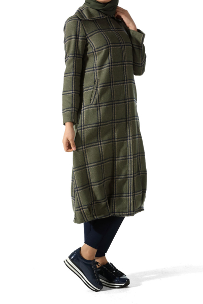 PLAID ZIPPERED CACHET CAPE