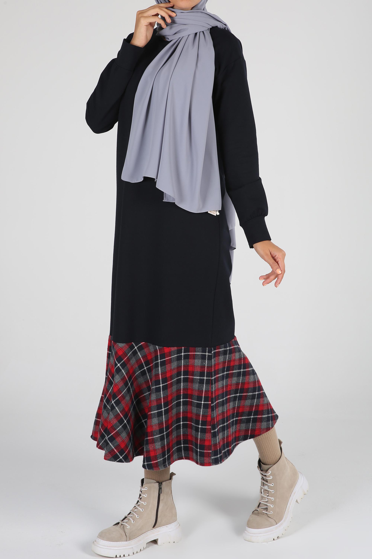 Eteği Ekoseli Elbise