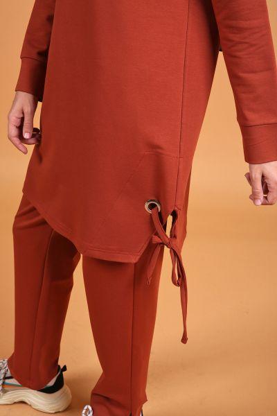 Eteği Kuşgözlü Kapüşonlu Pantolonlu İkili Takım