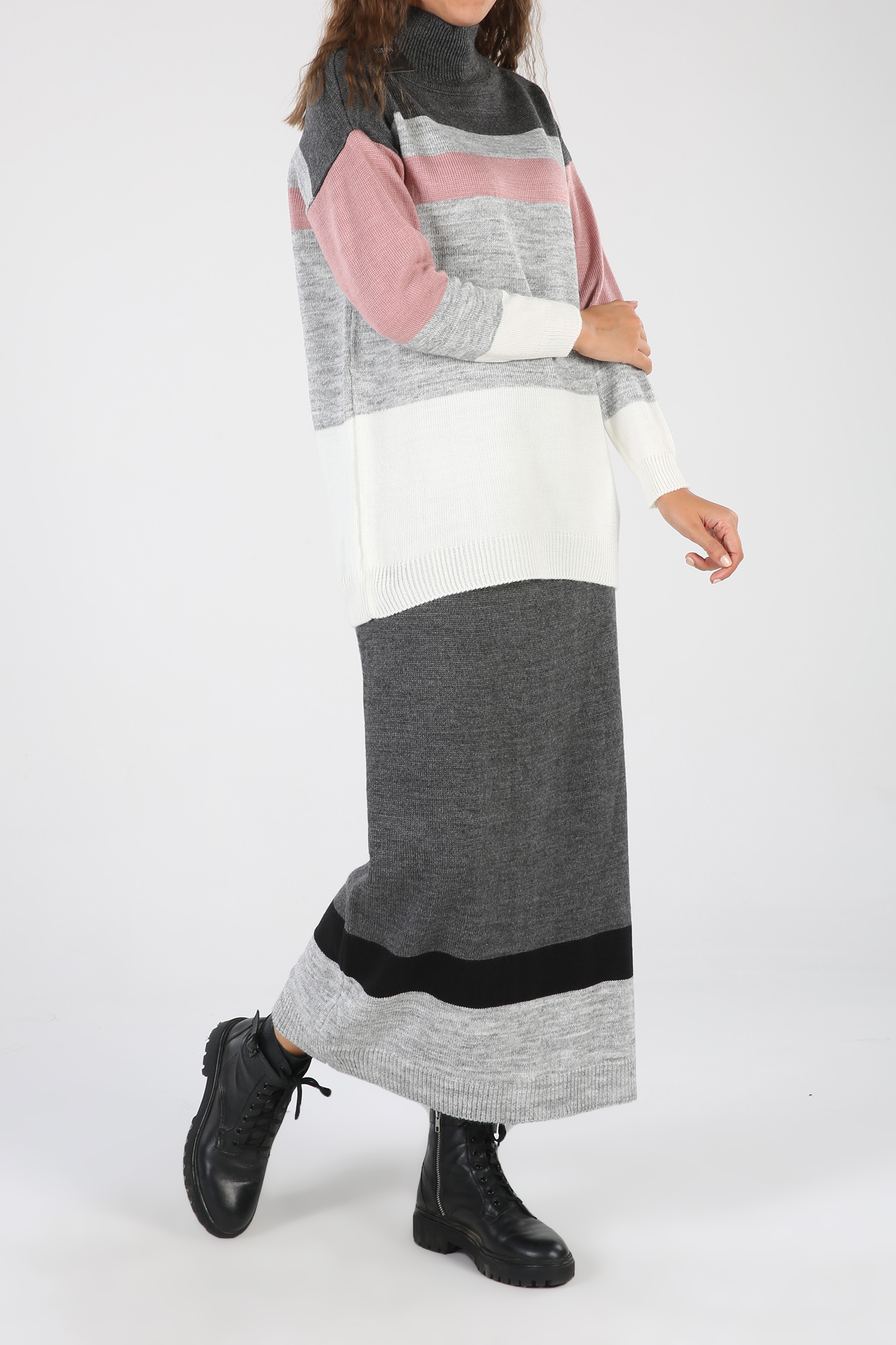Knitwear Hijab Suit With Skirt