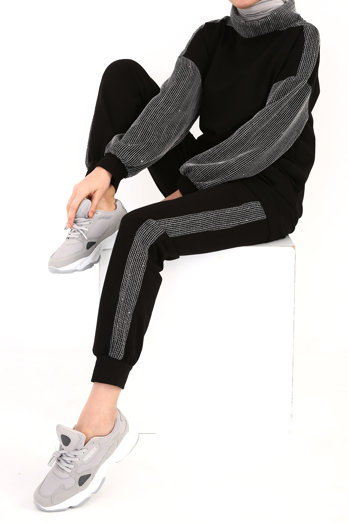 Cowl Neck Line and Mesh Detailed Tracksuit
