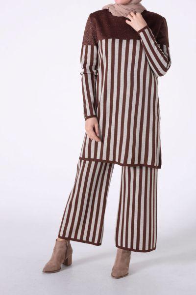 Çizgili Garnili Pantolonlu Triko Takım
