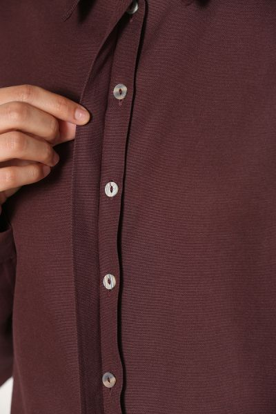 HIDDEN BUTTON SHIRT
