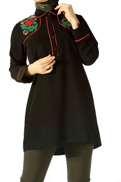 TUNIC WITH EMBROIDERED NECK