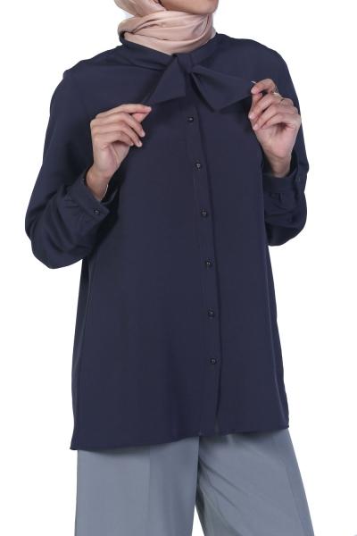Fularlı Gömlek