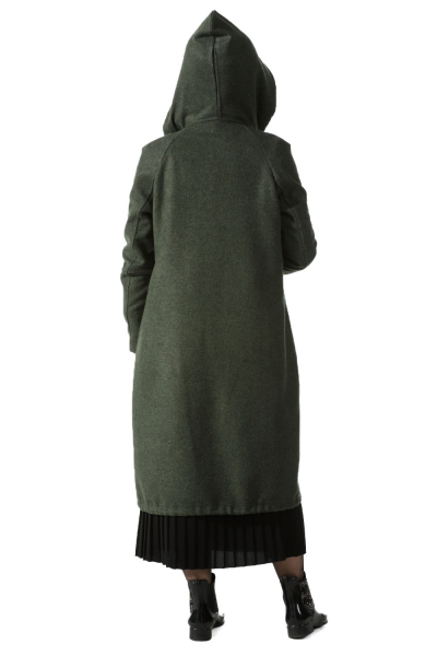 HOODED CACHET CAPE