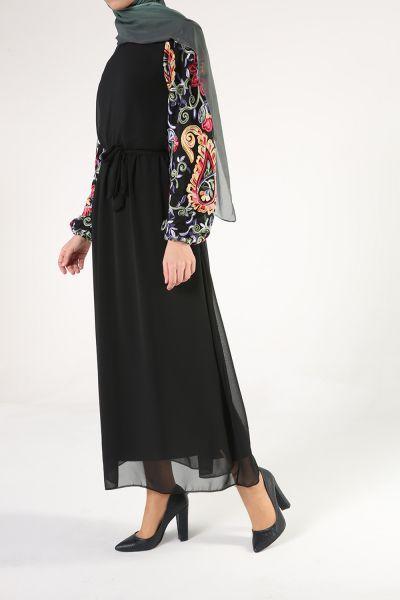 Kolları Nakışlı Belden Bağlamalı Elbise