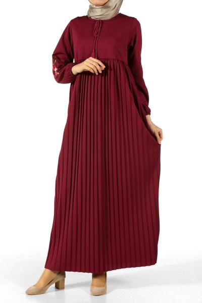 Nakışlı Pileli Elbise