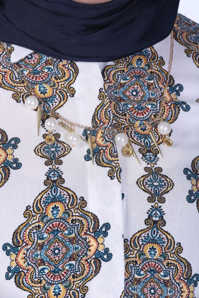 PATTERNED TUNIC WITH NECKLACE