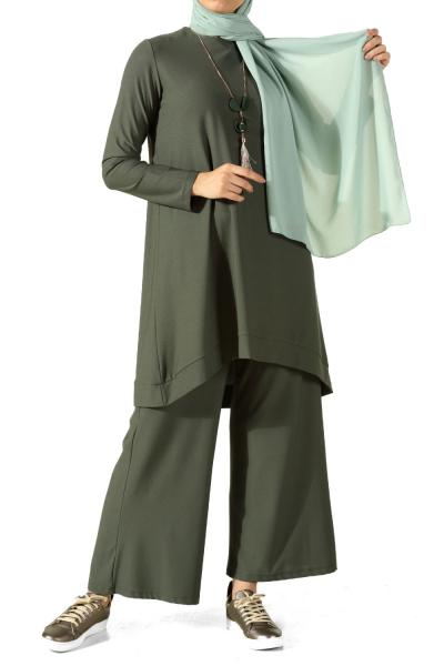 Kolyeli Pantolonlu Salaş Takım
