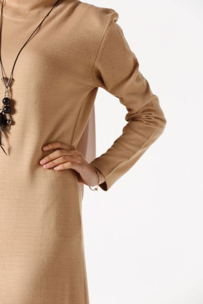 KNITWEAR DRESS WITH NECKLACE