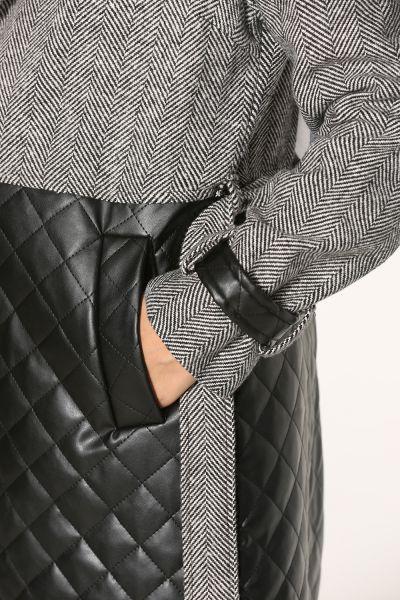 Kuşaklı Cepli Düğmeli Desenli Ceket