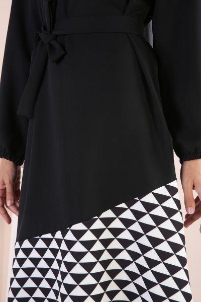Desenli Kolları Lastikli Kuşaklı Elbise