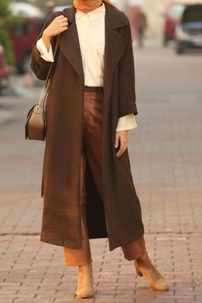 BELTED CAPE