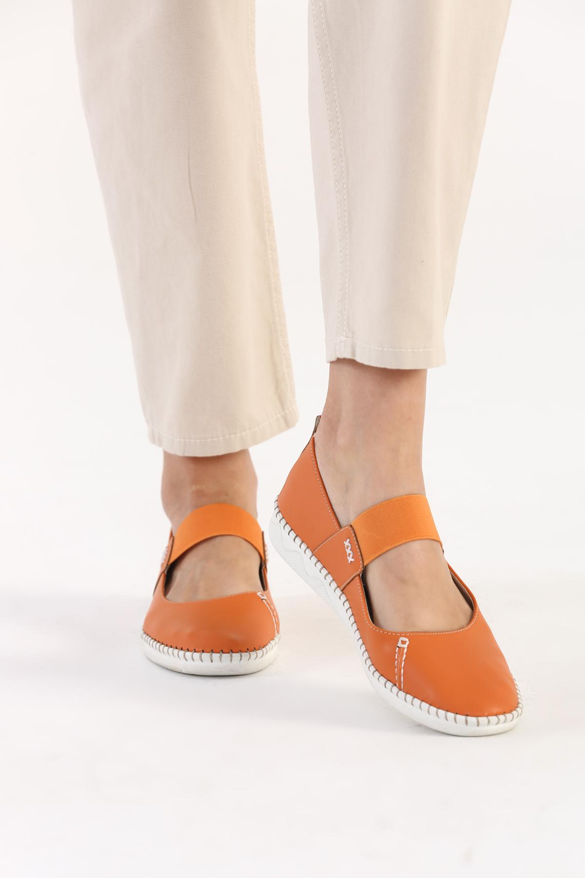 Elastic Detailed Flat Shoes