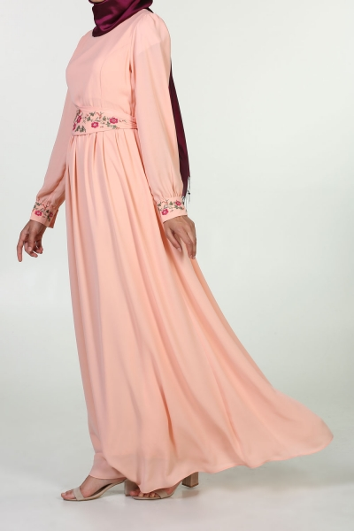 MAGNET AND BELT EMBROIDERY DRESS