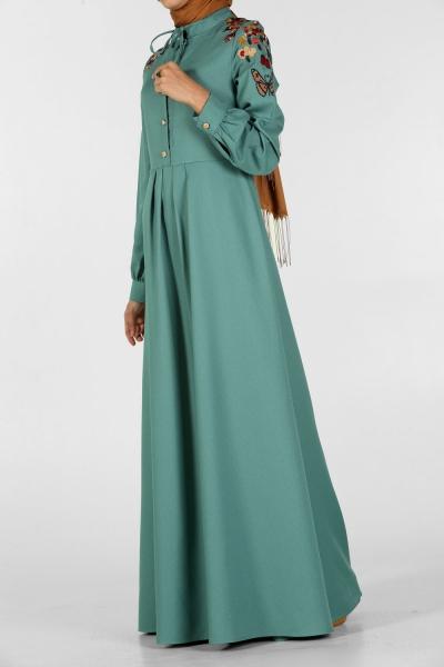 Nakışlı Düğmeli Elbise
