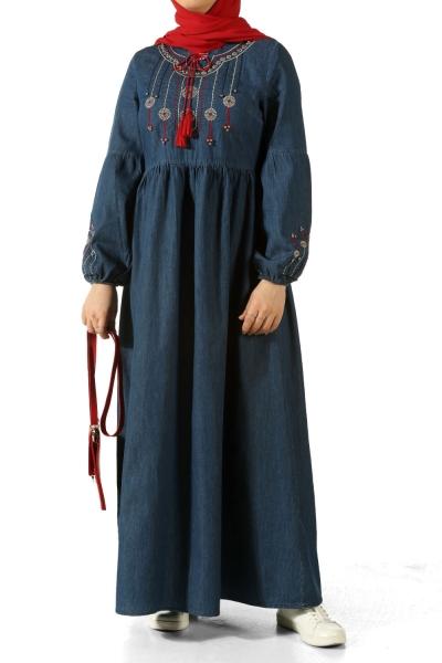 Nakışlı İncili Kot Elbise