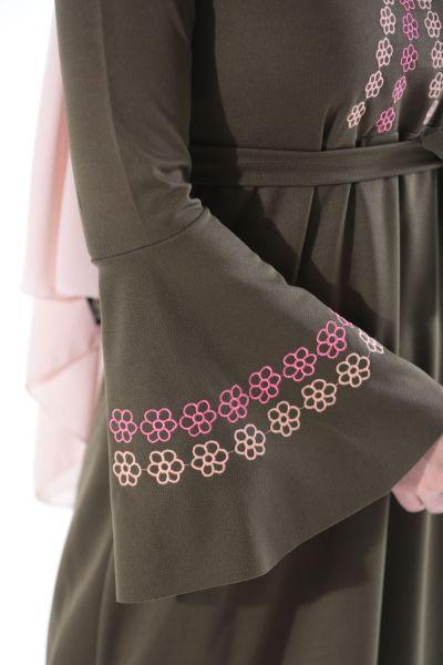 Nakışlı Kolu Volanlı Elbise