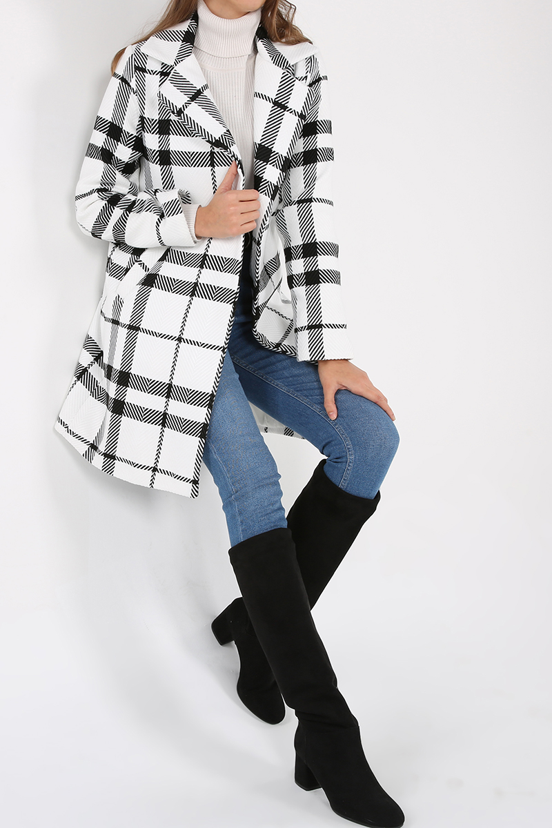 Lined Button Detailed Coat