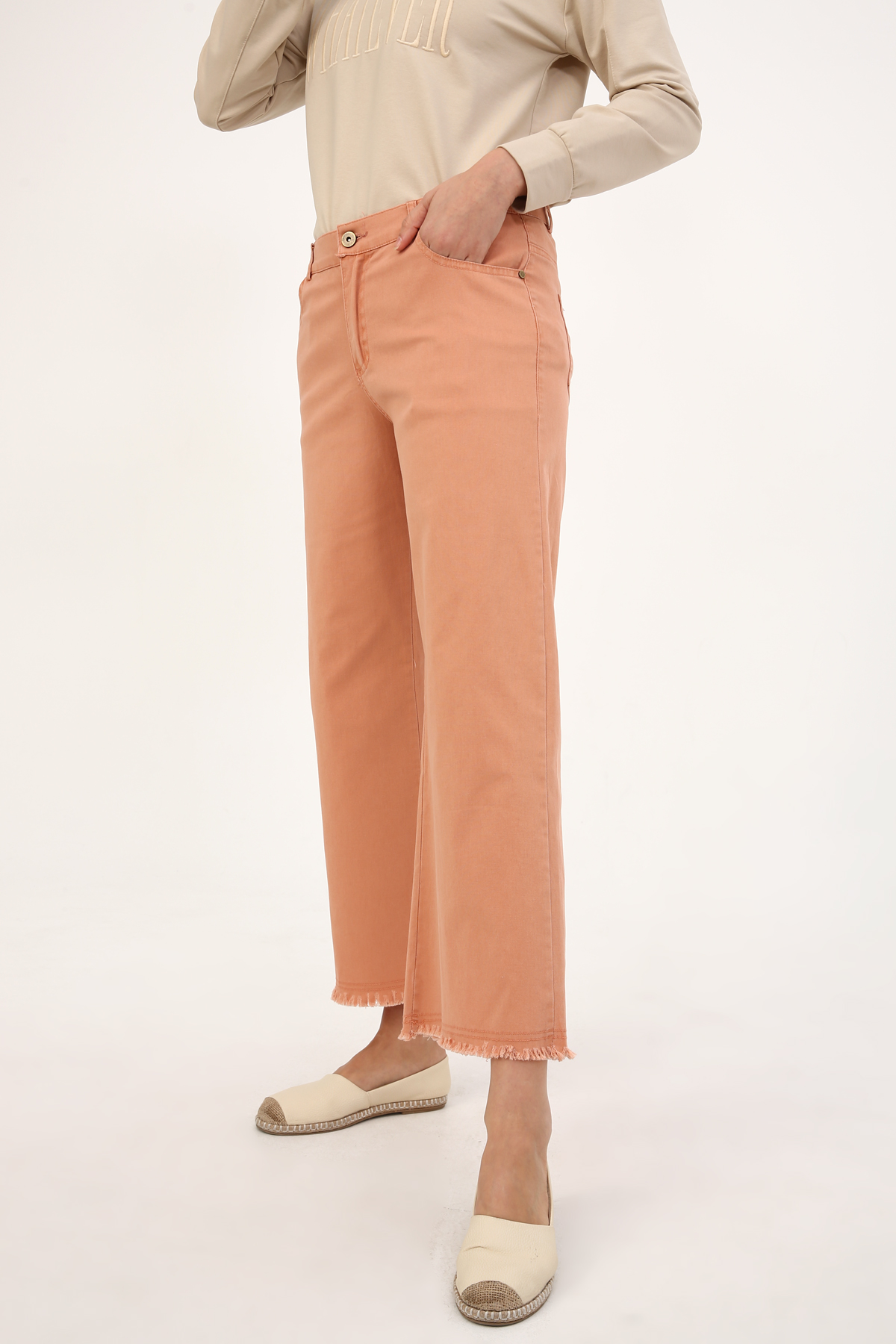 Wide Leg Tasseled Pants