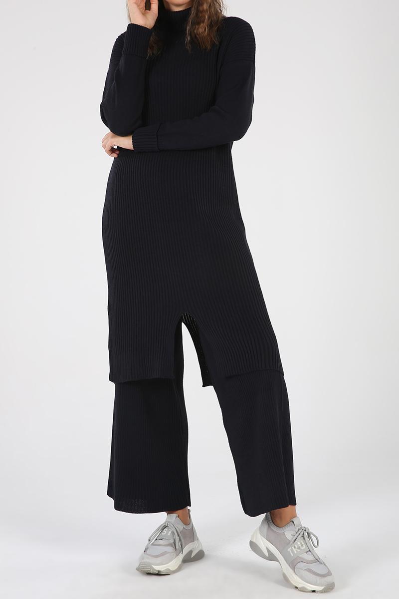 Yırtmaçlı Pantolonlu İkili Takım