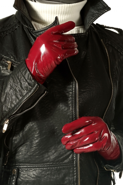 BRIGHT LEATHER GLOVES
