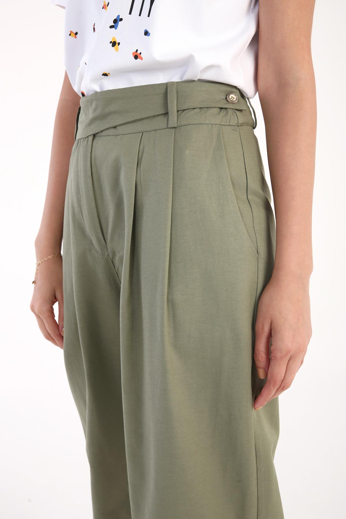 Waist Detailed Pleated Pants