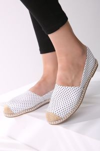 POLKA-DOT FLAT SHOES