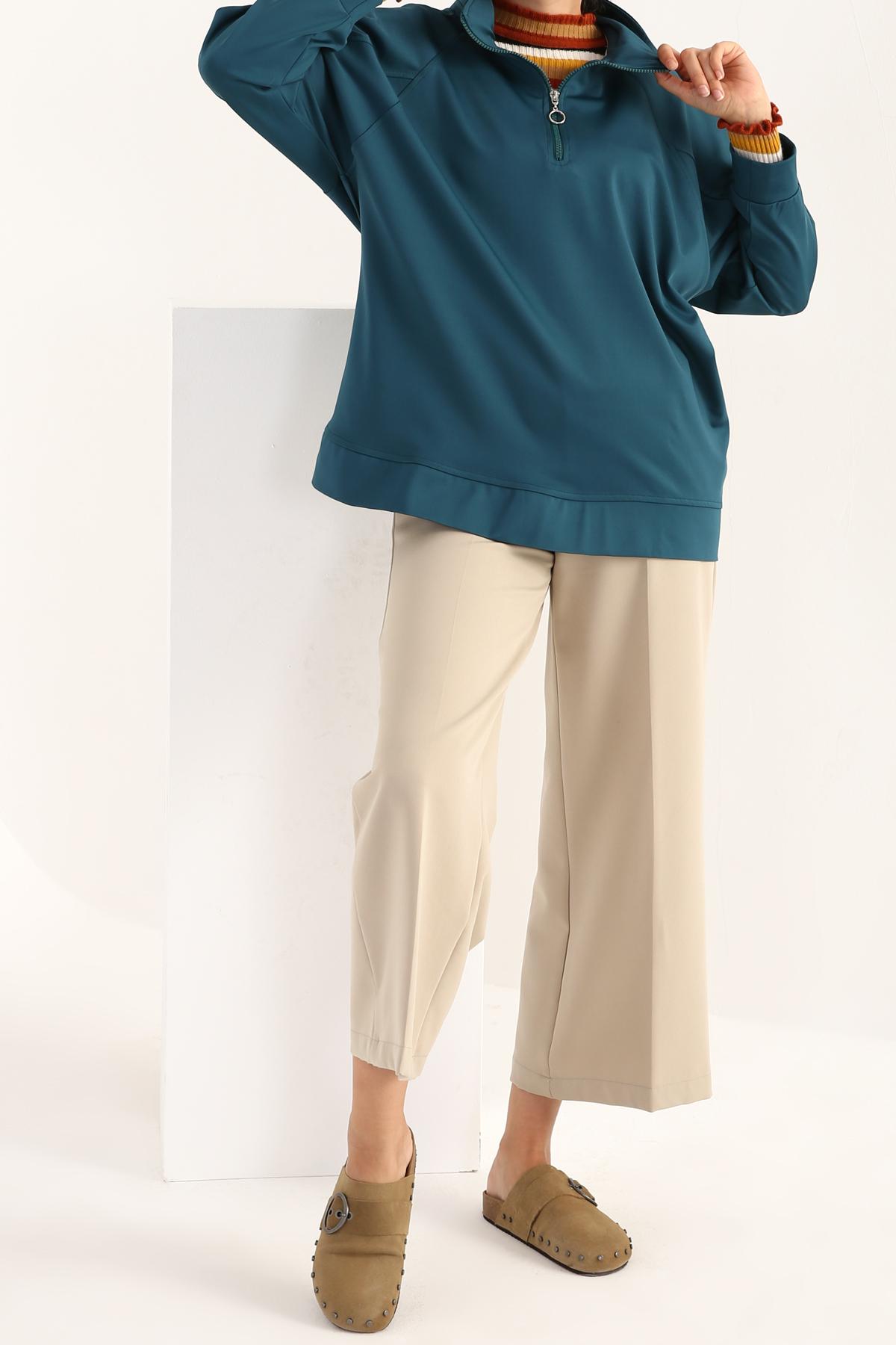 Raglan Sleeve Zipper Detailed Sweatshirt