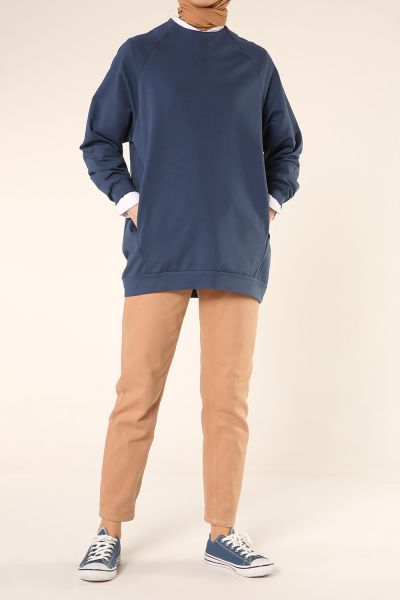 Raglan Sleeve Zippered Sweatshirt