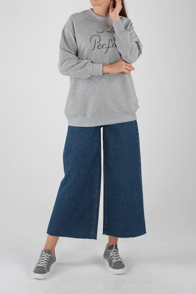 Raglan Sleeve Embroidered Sweatshirt
