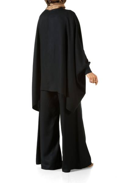 Salas Hijab Suit with Necklace