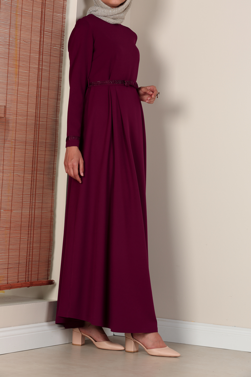 DRESS WITH STONE DETAIL BELT