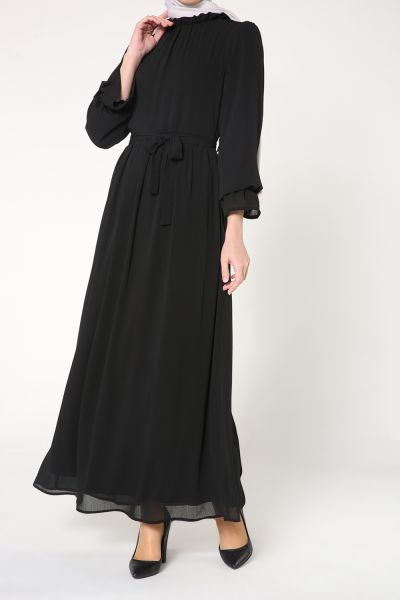 Yakası Fırfırlı Kuşaklı Elbise