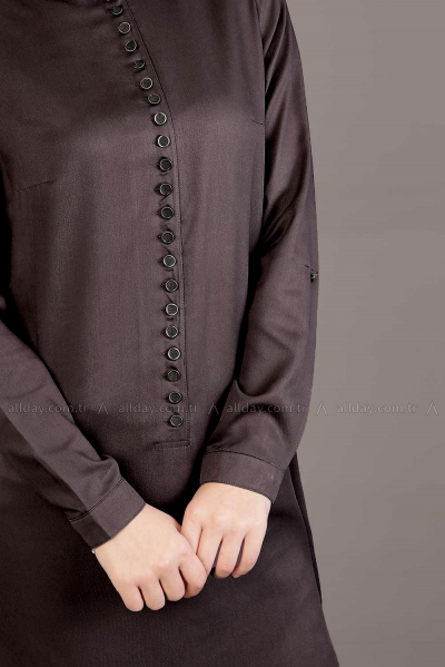 HALF PLACKET TUNIC WITH FREQUENT BUTTON