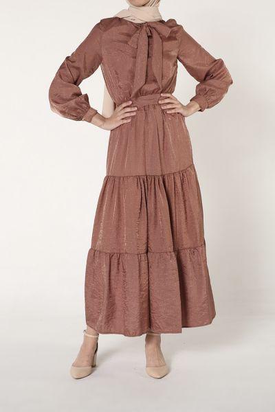 Yakası Bağcıklı Kuşaklı Yazlık Elbise