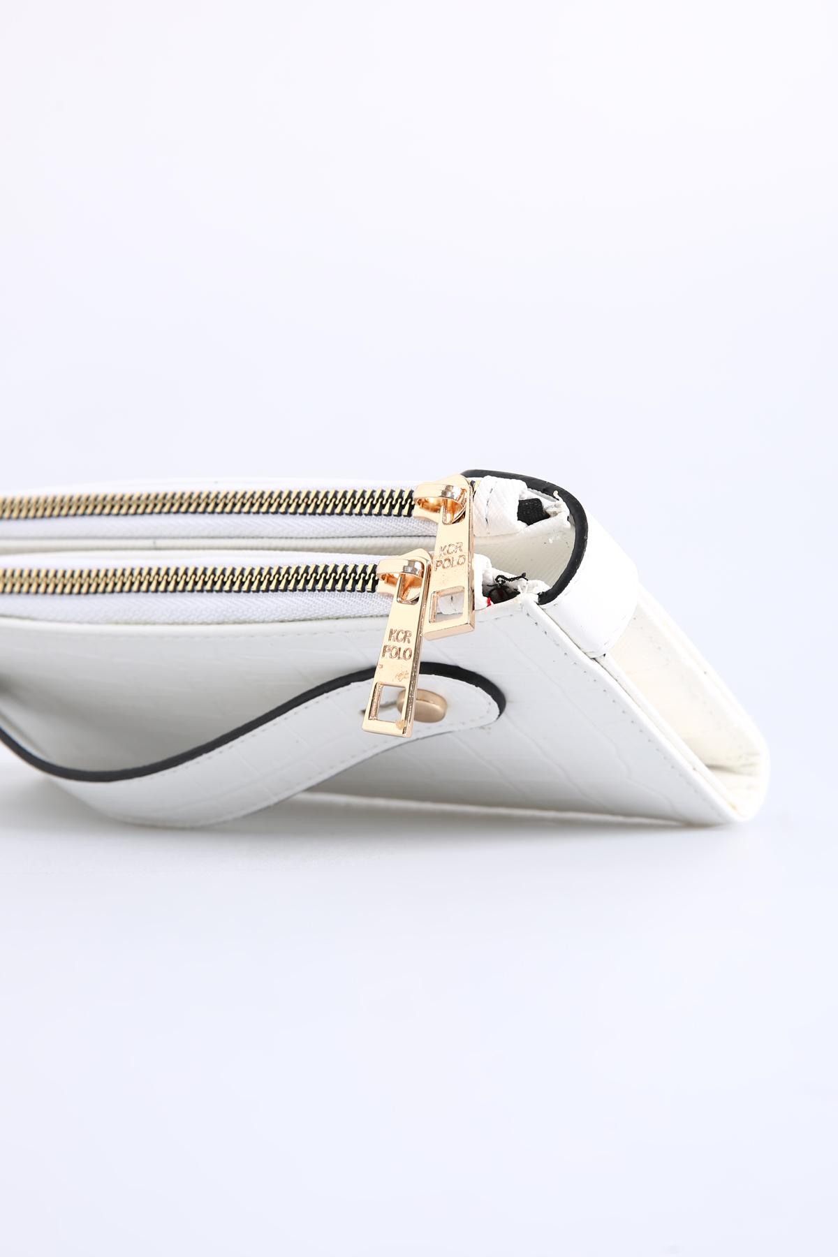 Lined Zippered Snakeskin Patterned Wallet